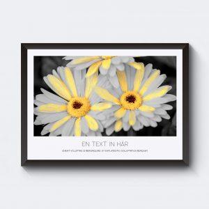 Personlig tavla med blommor. Du kan skriva in egen text.