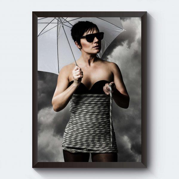 Fotokonst tavla kvinna solglasögon